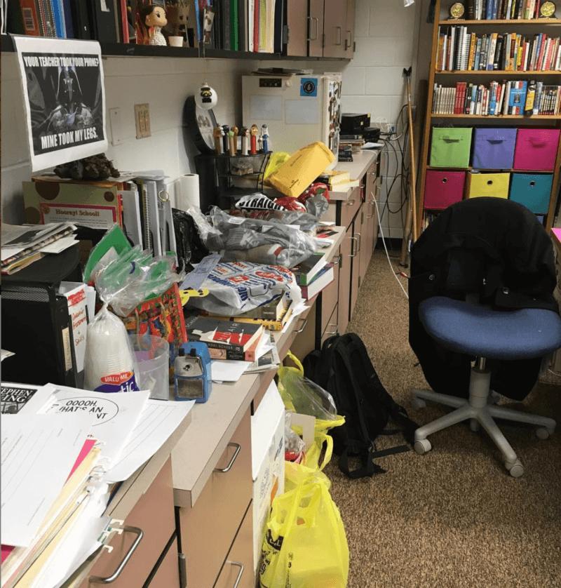 How to hide the clutter on a messy teacher desk! #TeacherDesk #ClassroomOrganization